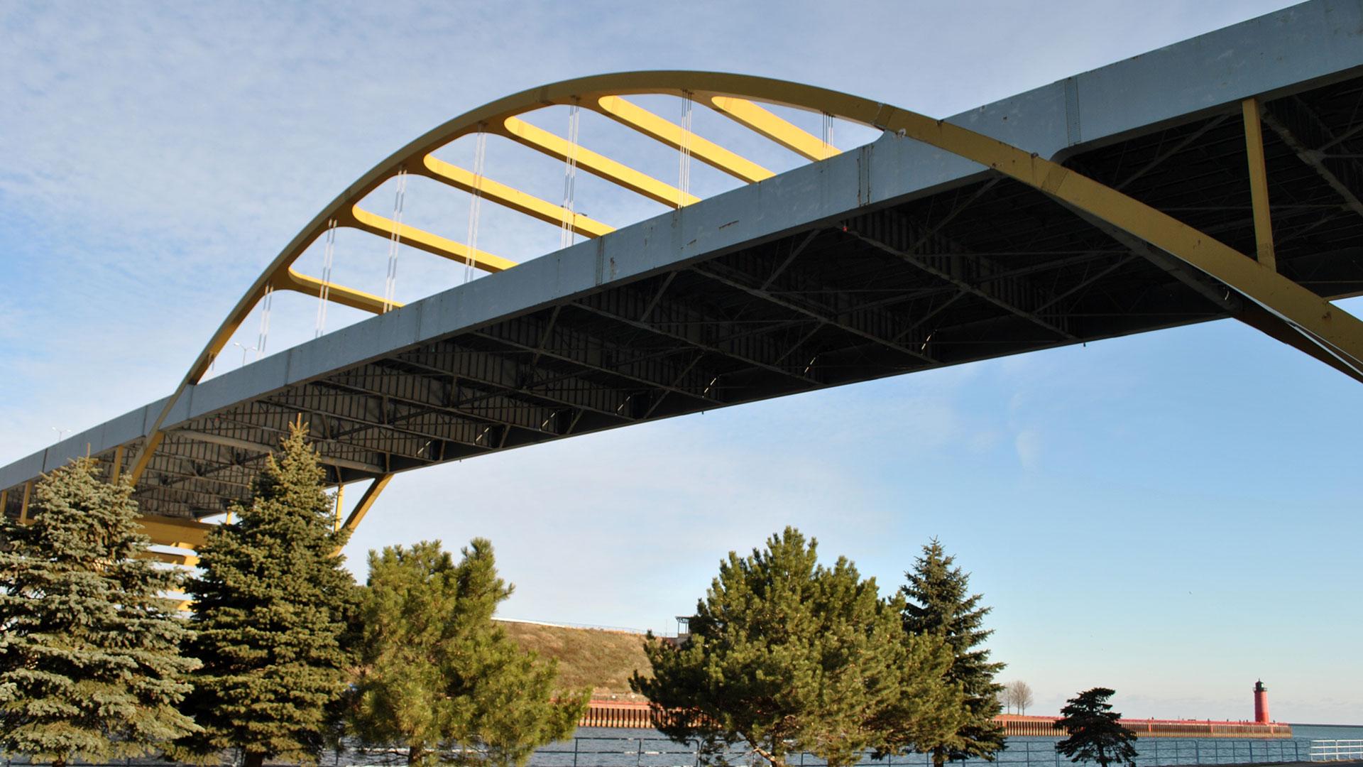 hoan-bridge-01